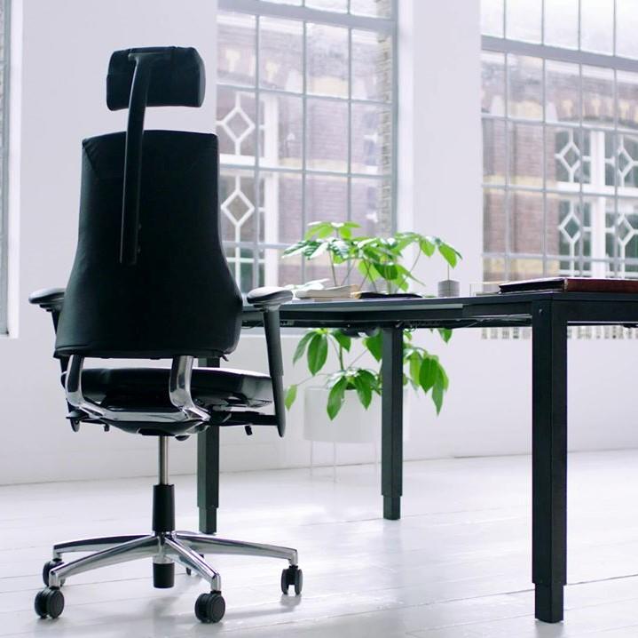 Axia bureaustoel met hoofdsteun